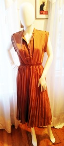 Brown dress2